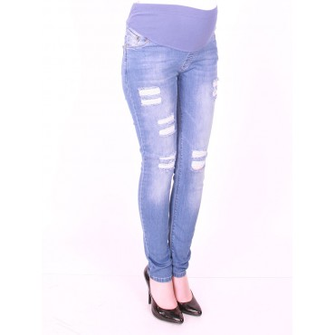 narrow-leg maternity wear ripped jeans